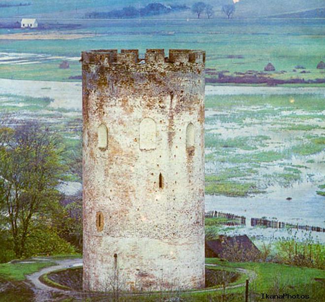 Каменецкая или Белая вежа - причина названия в побеленных стенах легенды каменецкой вежи