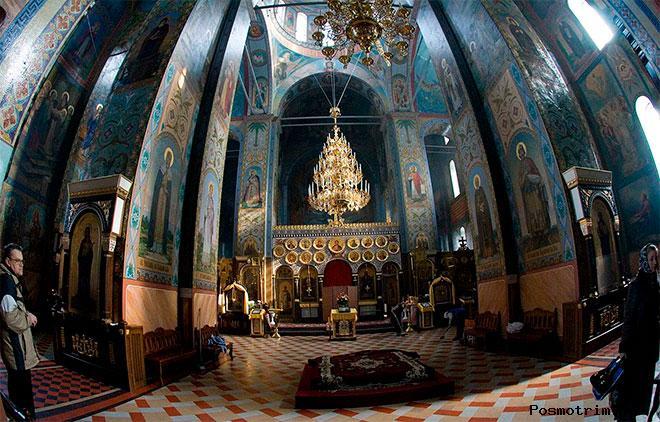 Интерьер Успенского собора Владимира-Волынского