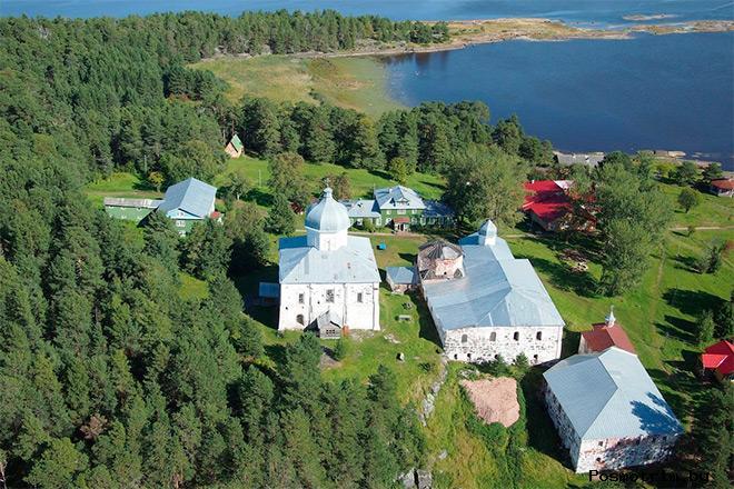 История Крестного монастыря на Кий-острове