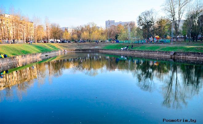 Медовый пруд в Зюзино, Москва.