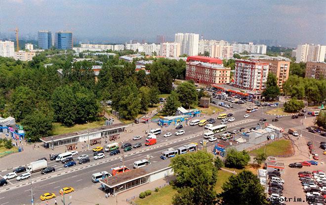 Улица Каховка рядом со станцией метро «Каховская». Зюзино, Москва.