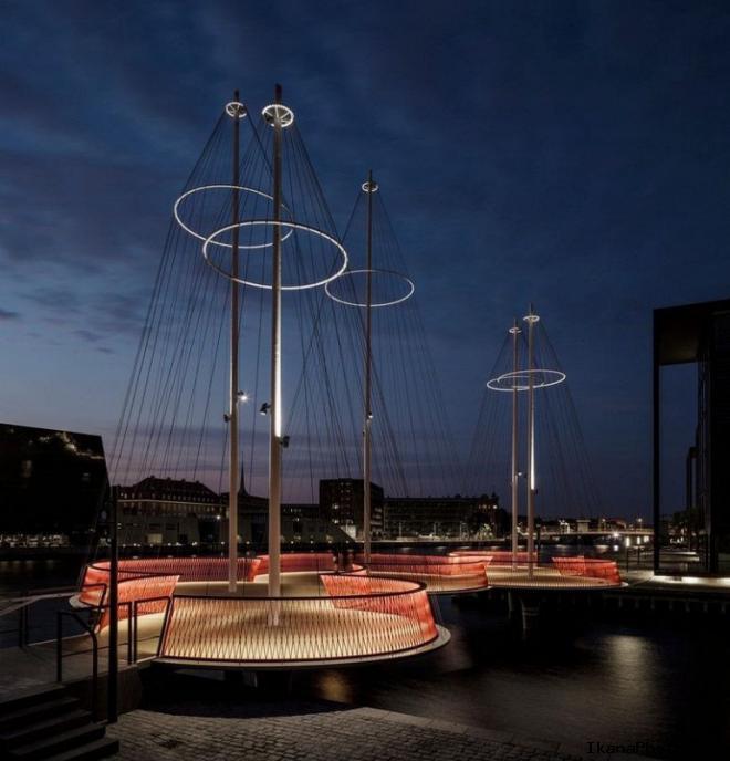 Круговой мост Cirkelbroen в Копенгагене Дания
