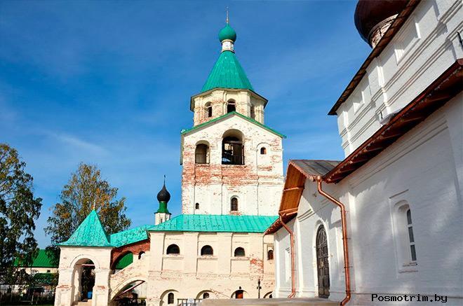 Храм Трех святителей Московских  Сийский монастырь