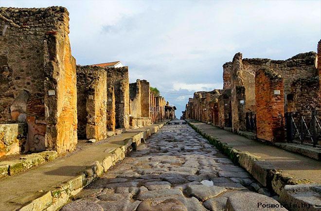 Помпеи - город поглощенный вулканом Везувий
