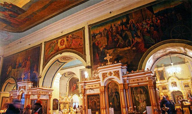 Внутри Воскресенского храма в Череповце
