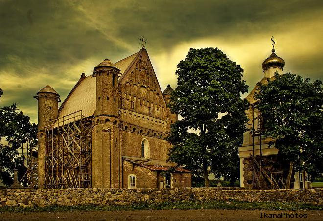 Храм-крепость Святого Михаила Сынковичи фото история описание Михайловской церкви в Сынковичах