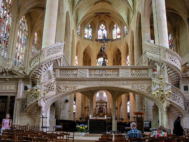Интерьер церкви Сент-Эсташ