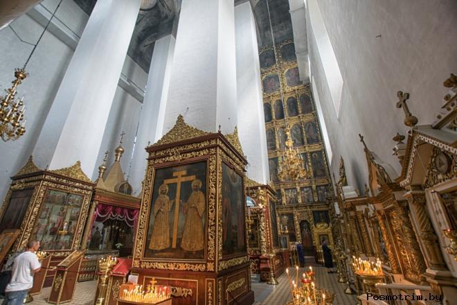 Троицкий собор Пскова внутри