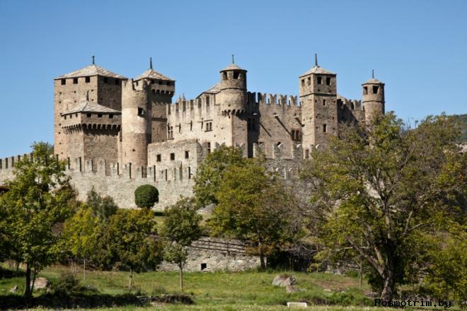 Замок Фенис Италия