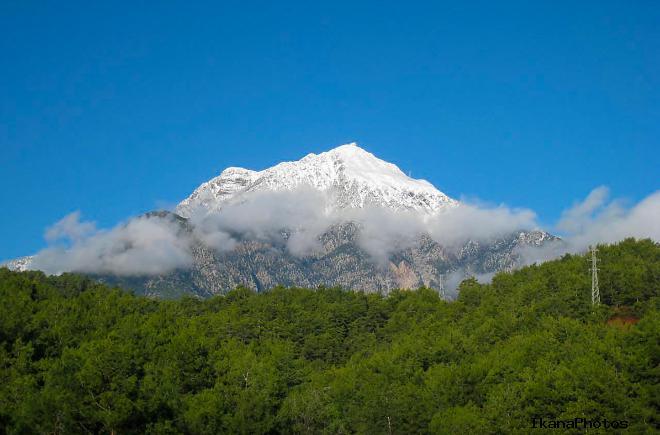 Олимпос доминирующая вершина одноимённого Национального парка Олимпос