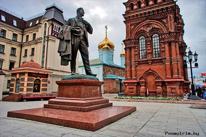 Памятник Шаляпину Казань