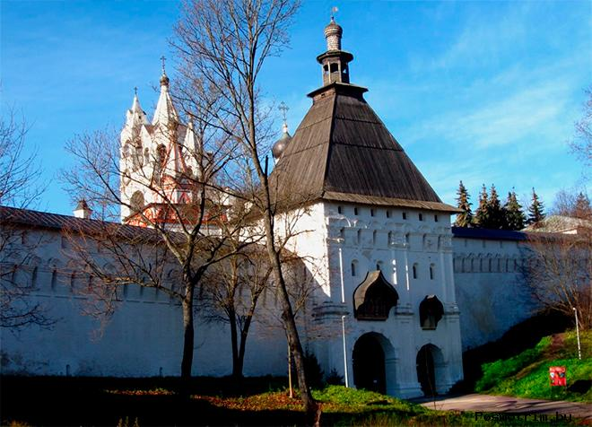 Стены и башни Саввино-Сторожевского монастыря
