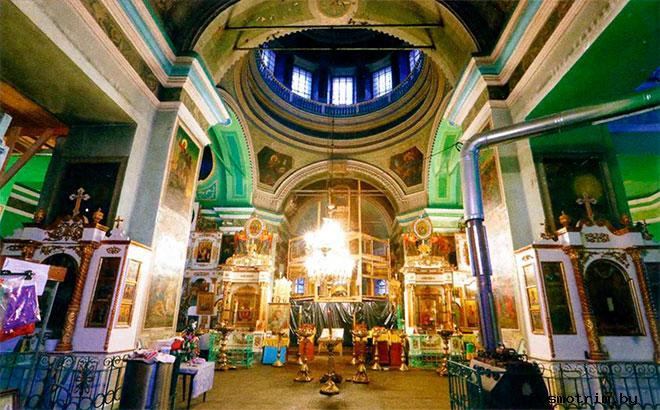 Быньги храм Николая Чудотворца внутри