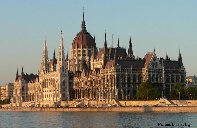 Здание венгерского парламента Будапешт