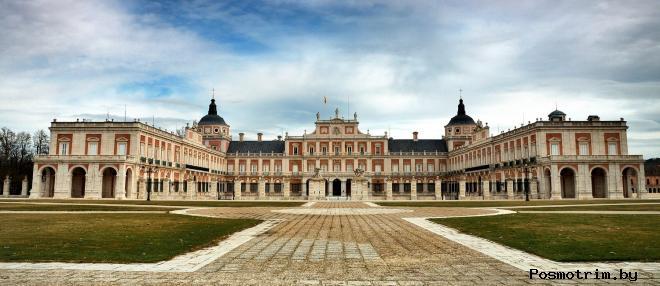 Королевский дворец в Аранхуэсе Испания