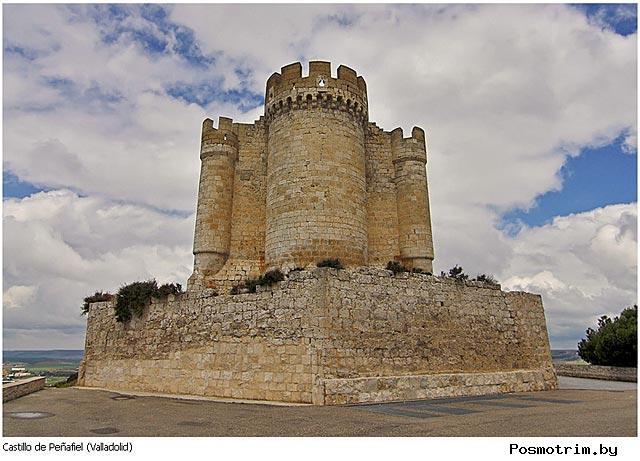 Замок Пеньяфиель Испания