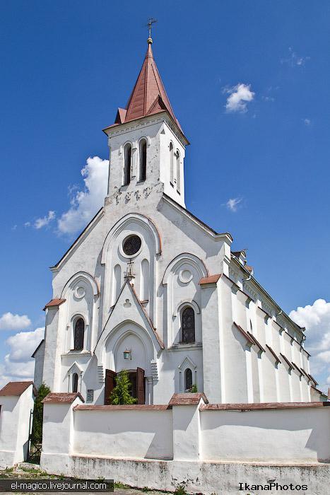 Костел Святой Троицы Коссово
