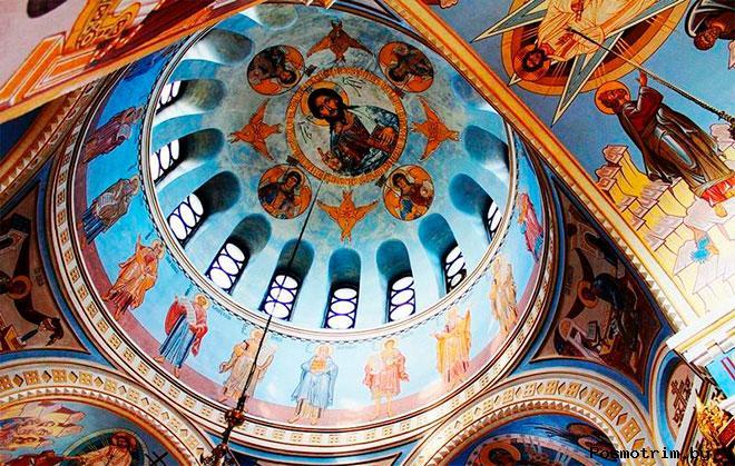 Интерьер Александро-Невского собора Новосибирска