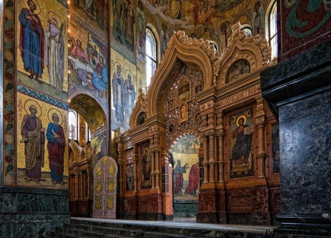 Интерьер храма Спас-на-Крови