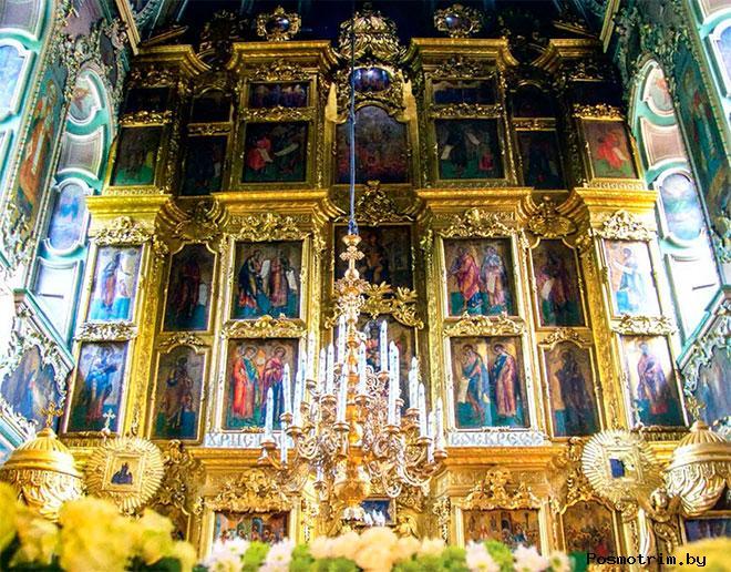 Интерьер храма на Донской в Москве