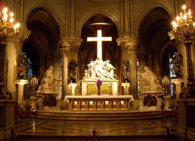 Пьета — Pietà в Нотр-Дам де Пари