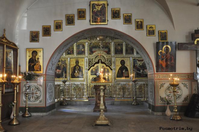 Интерьер Рождество-Богородицкого храма в Путинках