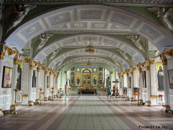Внутри Знаменского собора Курска