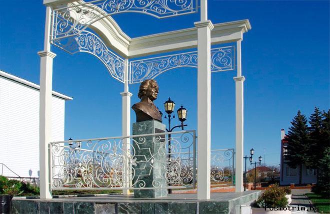 Лаишево памятник Державину