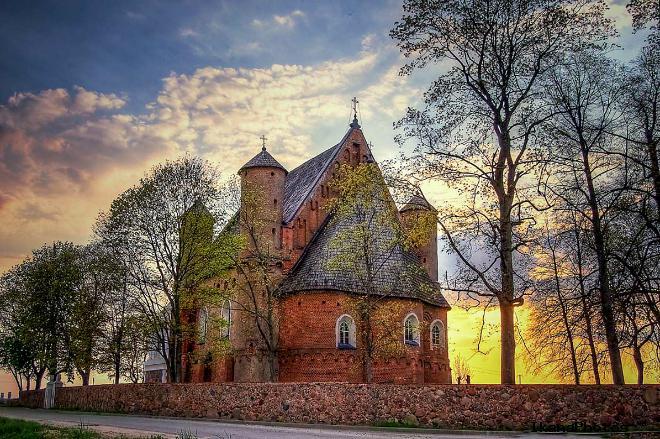 Церковь-крепость Святого Михаила Сынковичи адрес расписание богослужений расположение