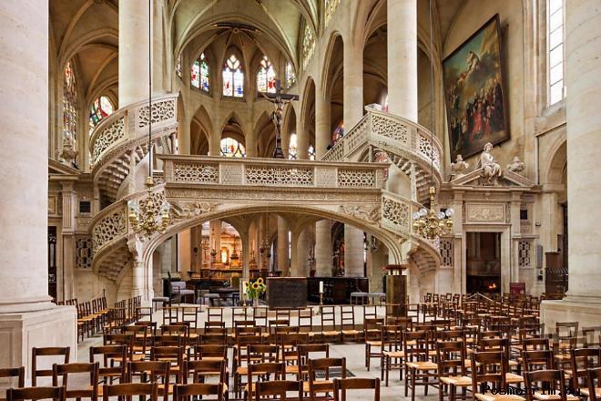 Интерьер Церкви Сент-Этьенн-дю-Мон