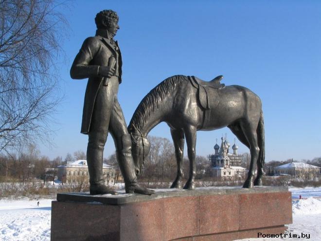 Памятник Батюшкову в Вологде