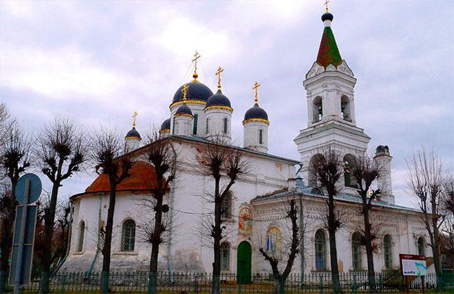 Архитектура Свято-Троицкого собора