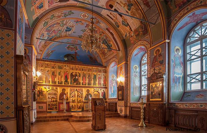 Внутри Богоявленского собора Томска