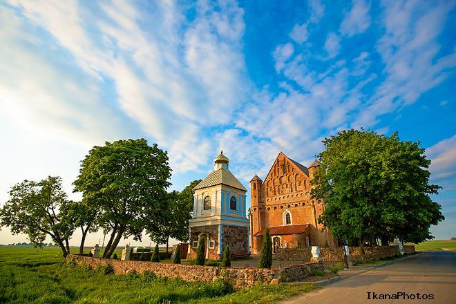 Храм-крепость Святого Михаила Сынковичи реконструкция