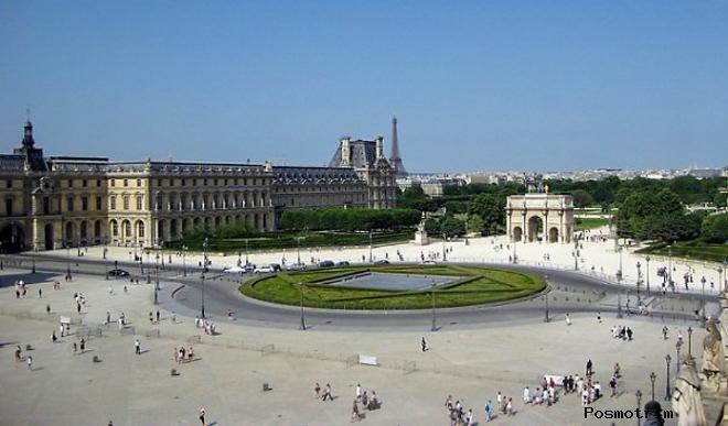 Площадь Каррузель в Париже