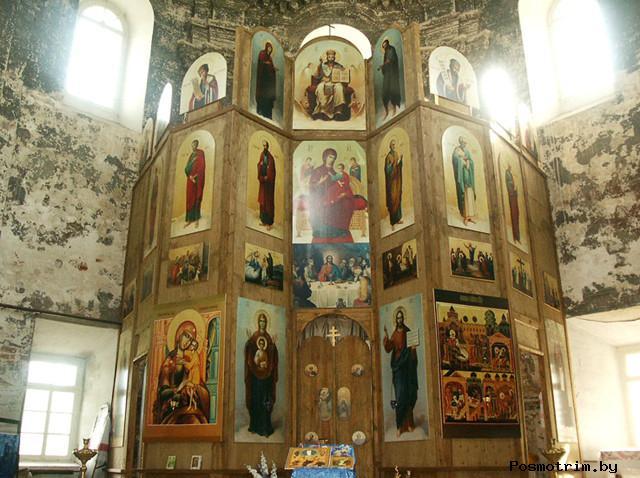 Внутри храма Рождества Пресвятой Богородицы в Подмоклове