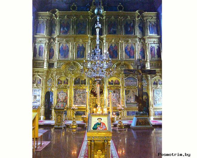 Внутри церкви Иоанна Златоуста в Годеново