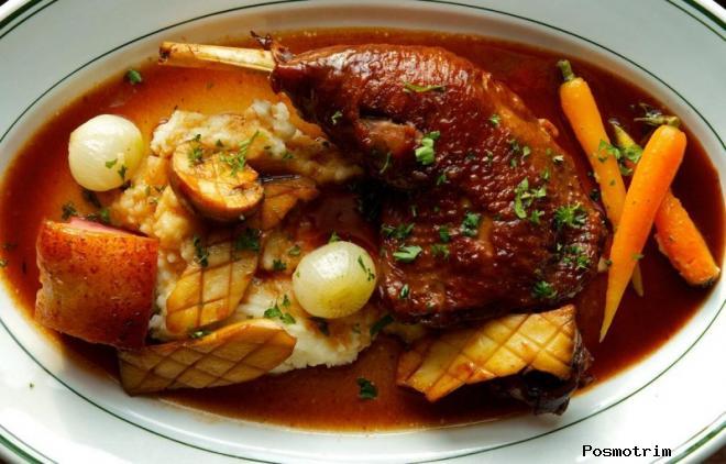 Петух или цыпленок в вине — coq au vin