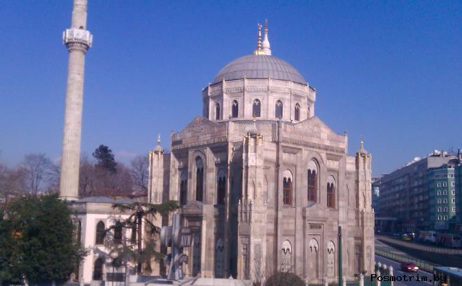 Мечеть Пертевниял Валиде Султан