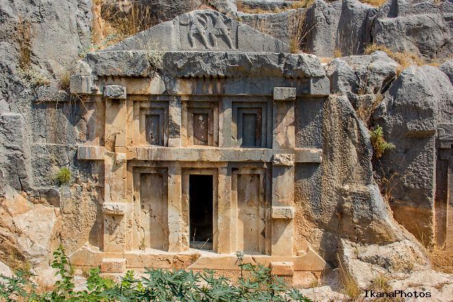 Ликийские гробницы - наскальный некрополь