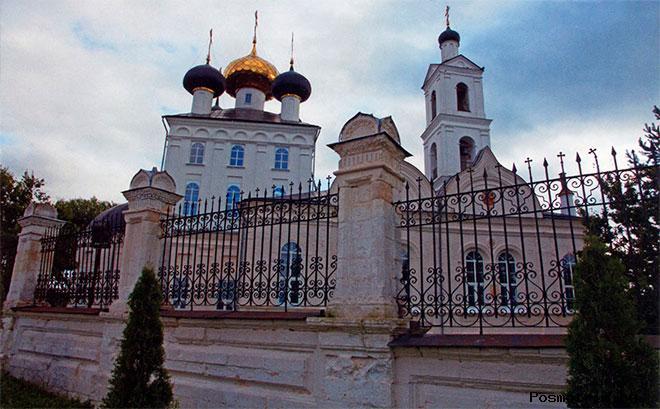 Крестовоздвиженский храм Свердлово