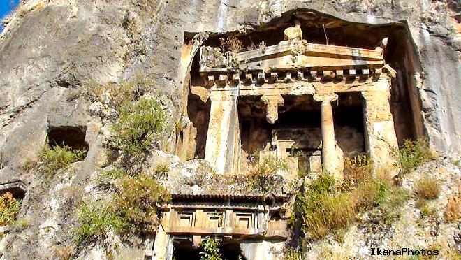 Как древние охраняли Ликийские скальные гробницы