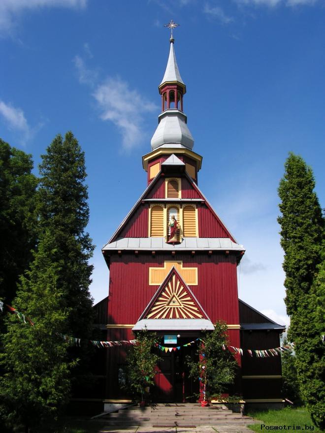Интерьер храма Воздвижения Святого Креста в Барановичах