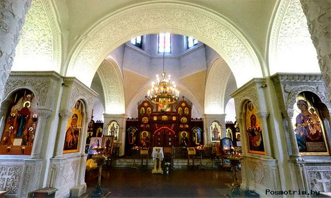 Крестовоздвиженская церковь Дарны внутри