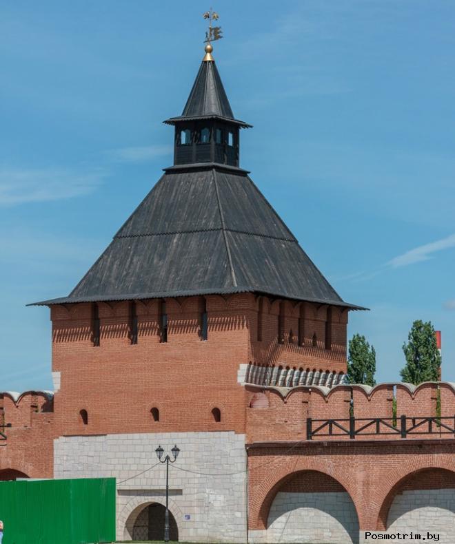 Башня Водяных ворот, башня На погребу и Наугольная башня