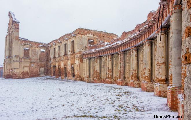 Величественные руины замка Сапег
