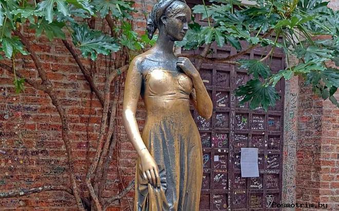 Статуя Джульетты в Вероне фото легенда