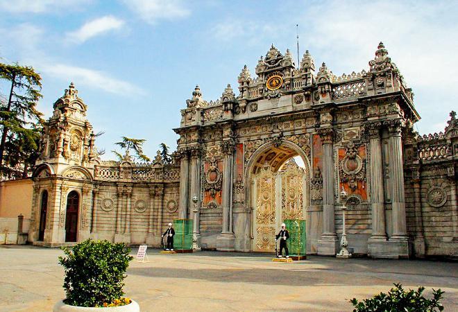 Музеи и достопримечательности дворца Долмабахче