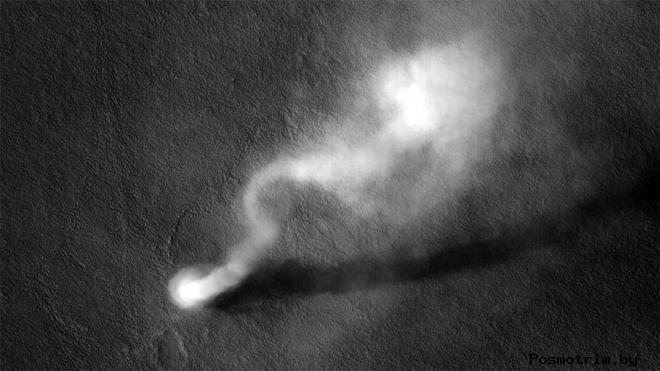 Пылевой смерч на Марсе