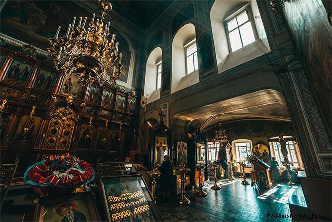 Внутри храма святителя Николая Чудотворца в Пушкино